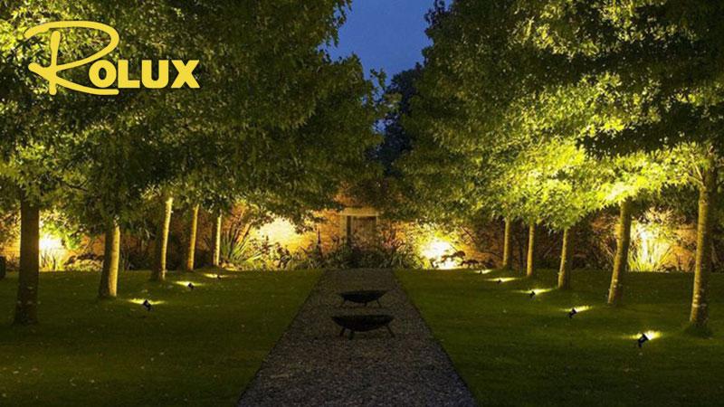 Sân vườn sử dụng đèn led cắm cỏ COB 3w